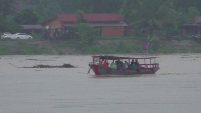 เรือโดยสารไทย ลาว